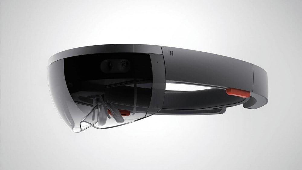 Die HoloLens Datenbrille von Microsoft ist ein weiterer Prototyp unter der den Augmented-Reality Smart Glasses.