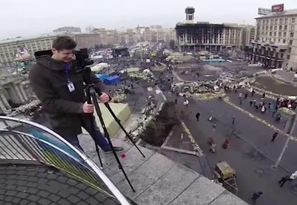 Mikus an der 360-Grad-Kamera