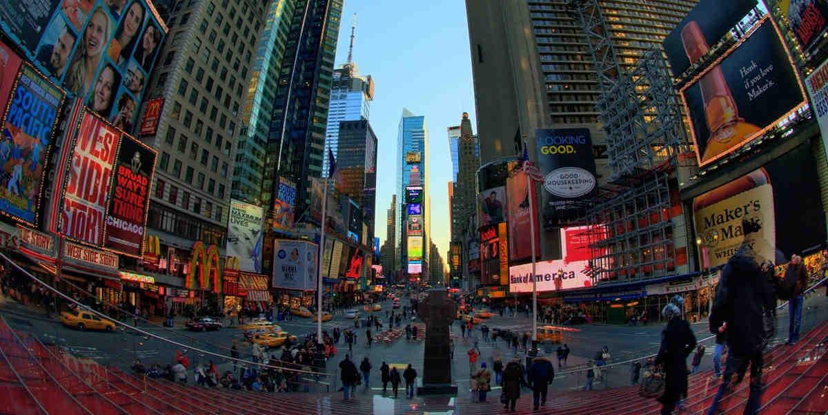 "Chris Milk realisiert für die New York Times die Virtual Reality Reportage ""Walking New York""."