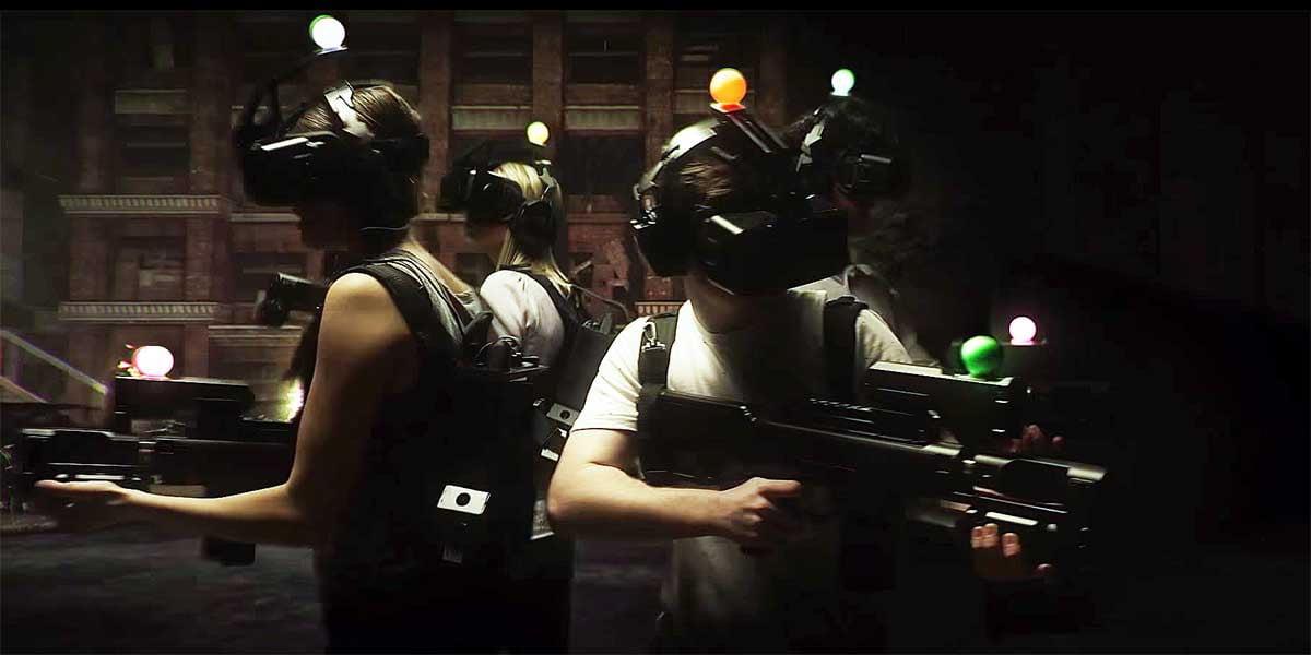 Zero Latency Spielhalle verspricht Virtual-Reality-Spielspaß mit sechs Spielern. Gemeinsam gegen die Zombie-Invastion