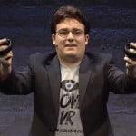 Palmer Luckey präsentiert den neuen Controller Oculus Touch mit Finger- und Gestensteuerung
