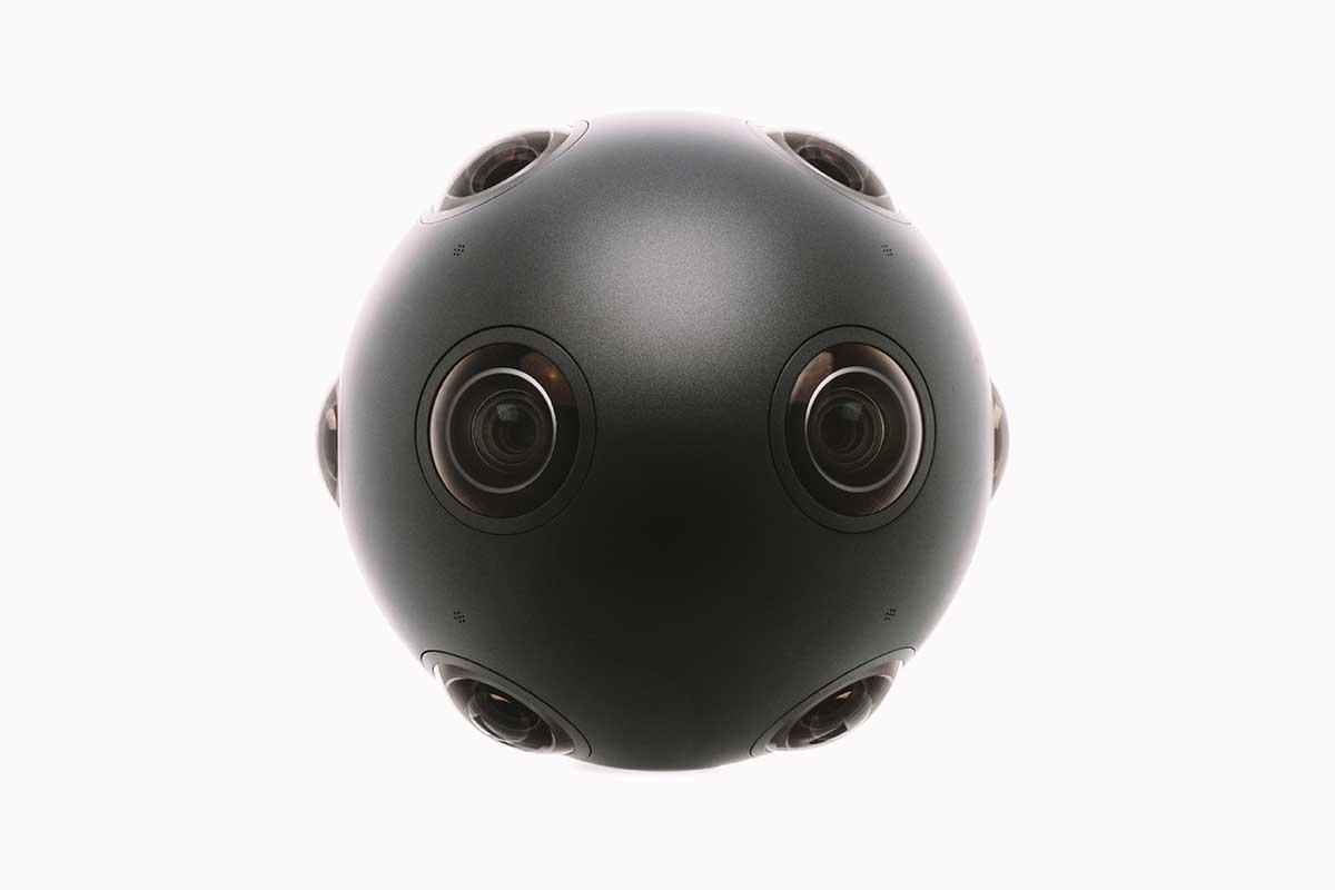 Die kugelförmige 360-Grad-Kamera OZO von Nikia hat acht Kameras und acht Mikrofone.