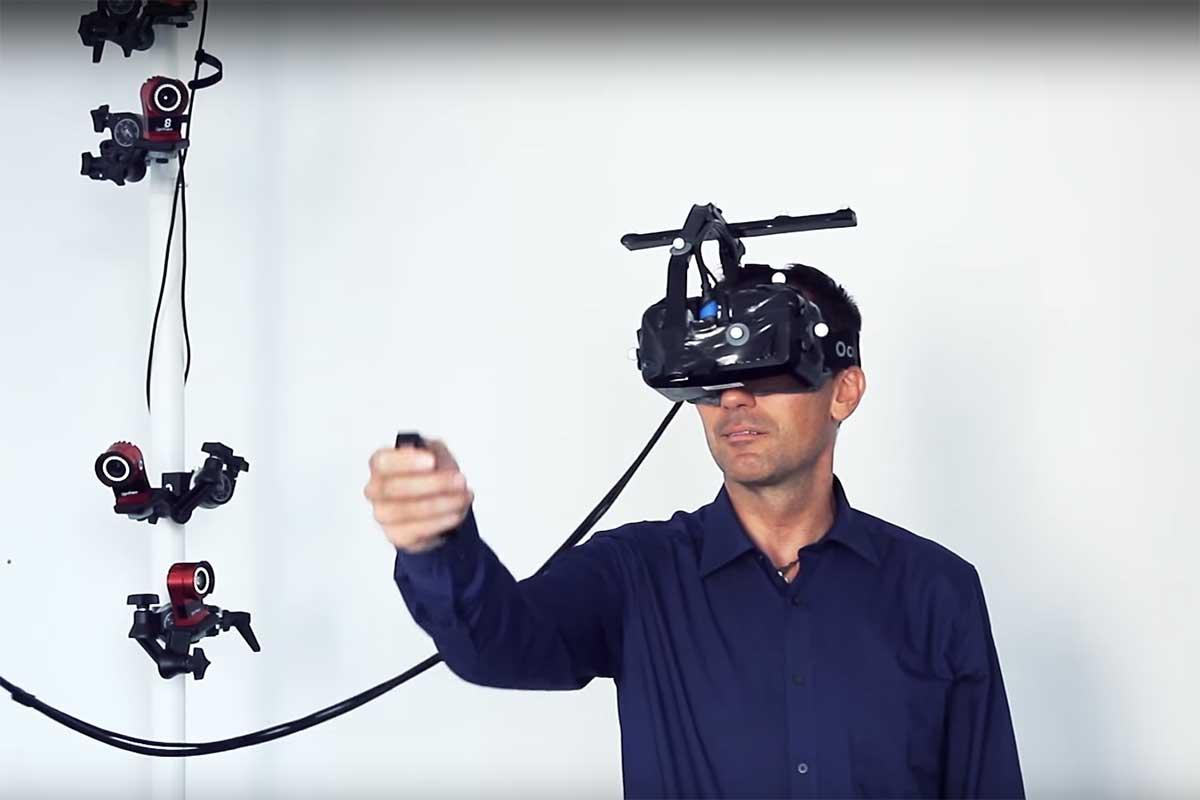 Der Simulator funktioniert mit Oculus Rift un deinem Controler, der den Einkaufswagen simuliert.
