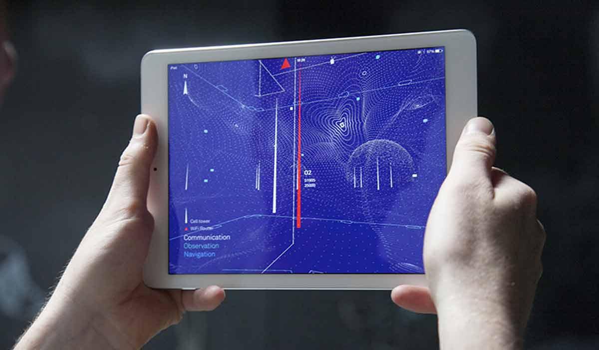 Eine Augmented-Reality-App zeigt uns simulierte Netzwerksignale in unserer Umgebung.