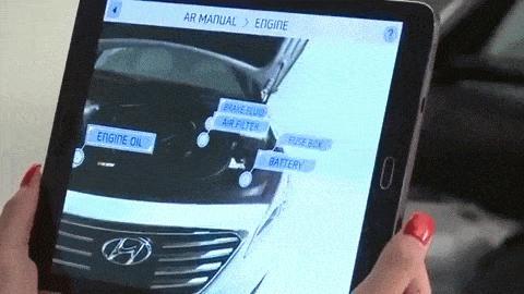 Hyundai stellt das erste Augmented Reality Handbuch vor.