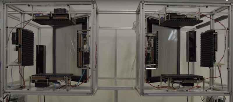 Haptoclone Boxen mit API und Ultraschall-Sensoren.