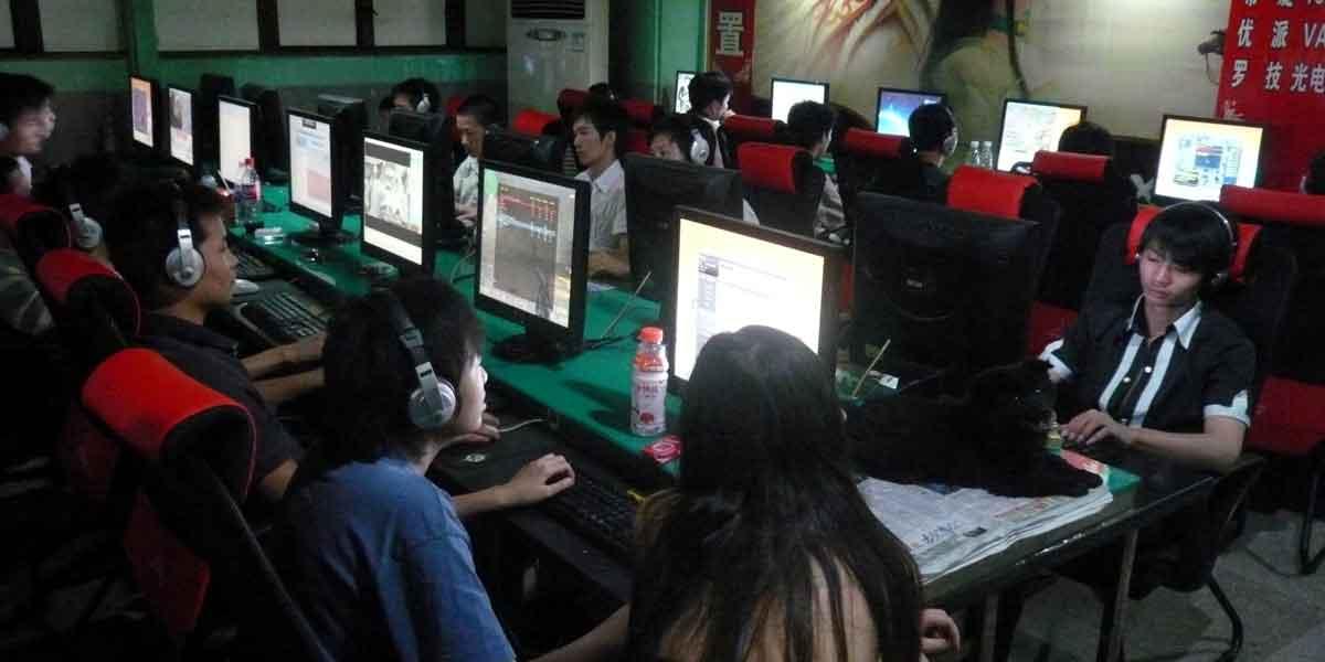 Millionen chinesischer Spieler sollen Virtual Reality im Internetcafé nutzen.