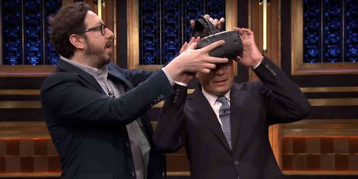 Jimmy Fallon testet Virtual Reality mit HTC Vive Pre