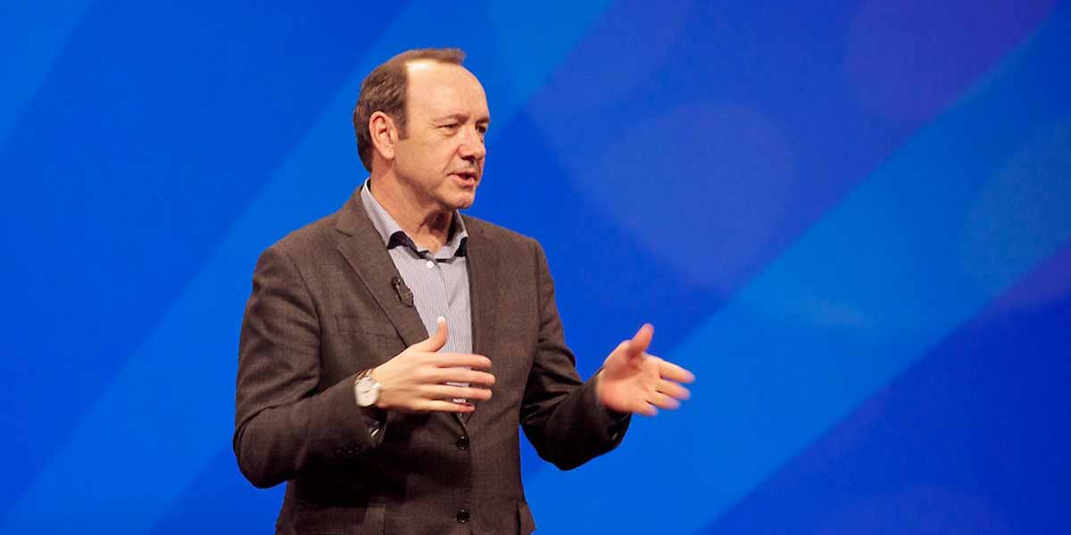 Kevin Spacey outet sich als Fan von Virtual Reality.