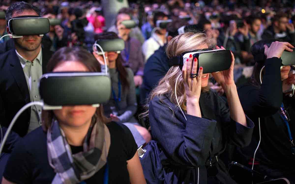 Facebook baut ein eigenes Team auf, das die Qualität von sozialen Erlebnissen im virtuellen Raum verbessern soll.