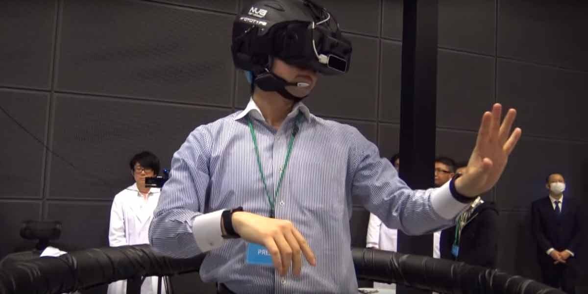 Vollständige Immersion: Oculus Rift, Leap Motion und VR-Laufband
