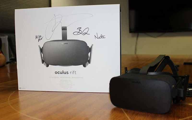 """""""Da ist das Ding."""" BILD: Palmer Luckey / Oculus VR"""