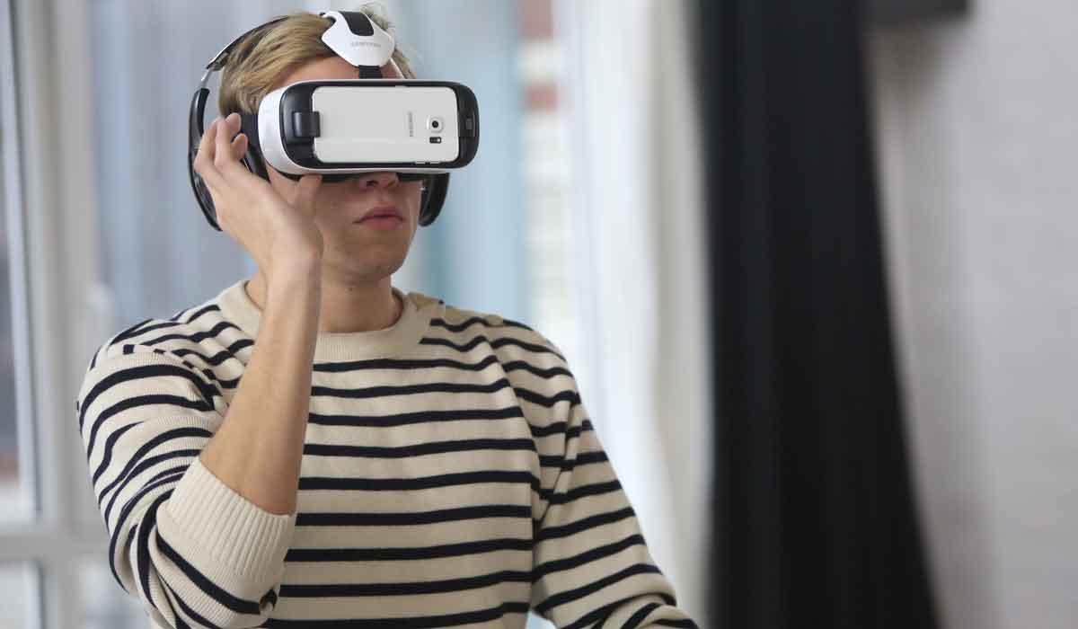 Schon früh zeichnet sich ab, dass sich der Virtual-Reality-Markt von Beginn an sehr heterogen entwickelt. 360-Videos sind besonders beliebt.