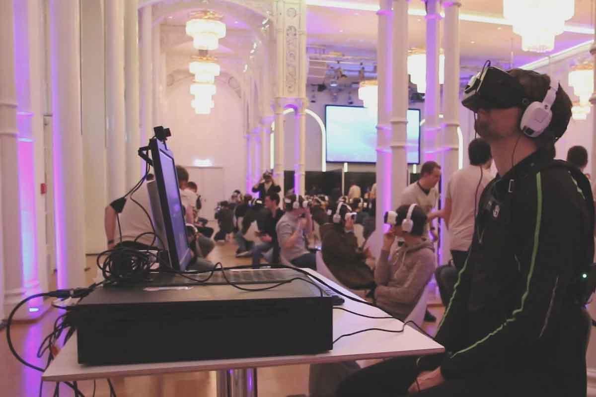 Wir haben die Kaleidoscope VR Tour in Köln besucht und einige Eindrücke mitgebracht. Am Dienstag gib es in Berlin eine zweite Gelegenheit, in Virtual Reality reinzuschnuppern.