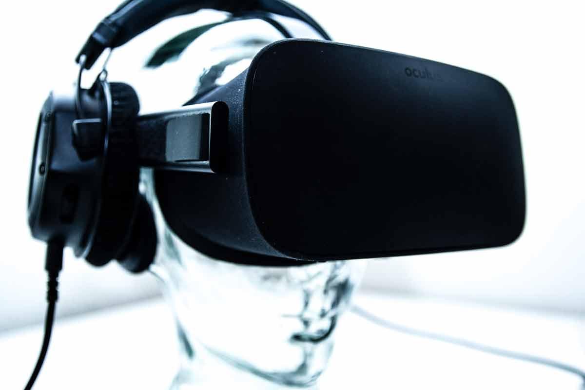 Ihr habt die neue Virtual-Reality-Brille Oculus Rift, kennt euch aber noch nicht gut damit aus? Unsere Tipps erleichtern euch den Einstieg.