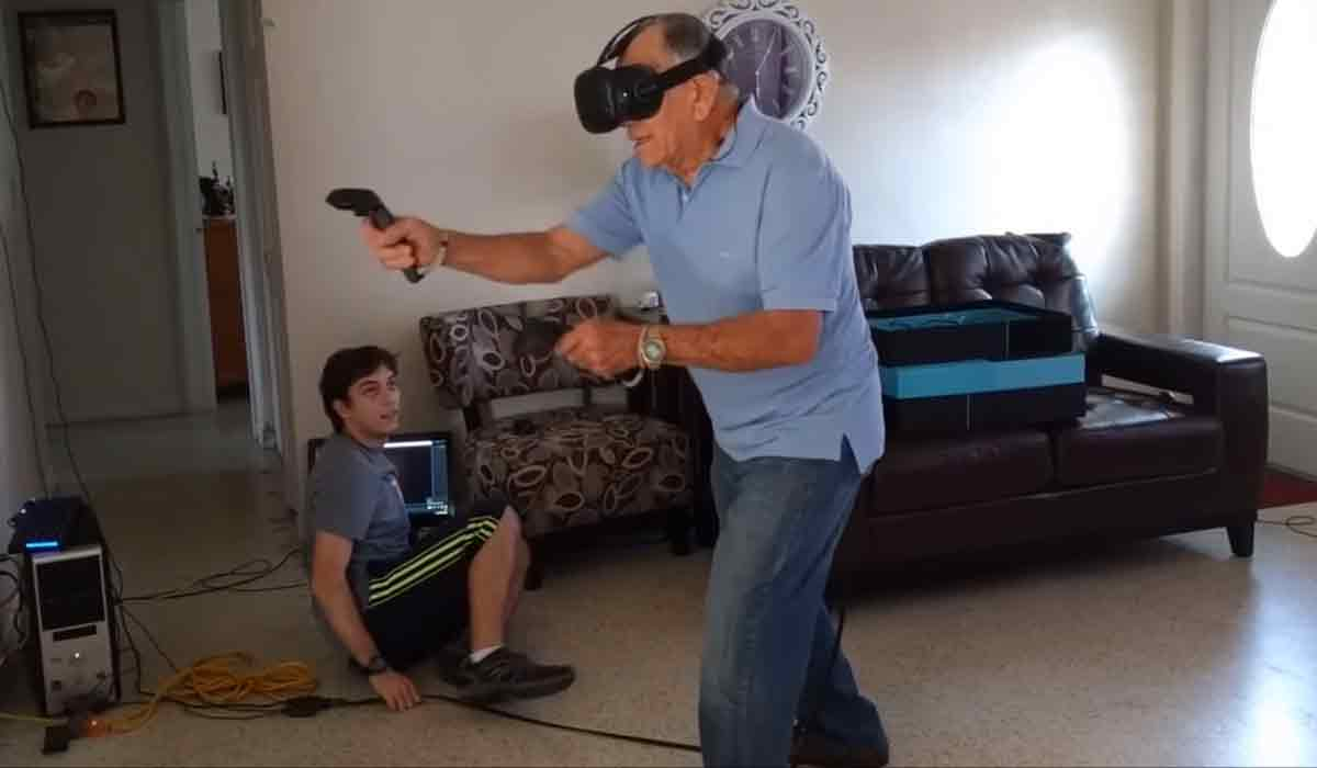 HTC Vive: 81-Jähriger boxt sich durch Virtual Reality