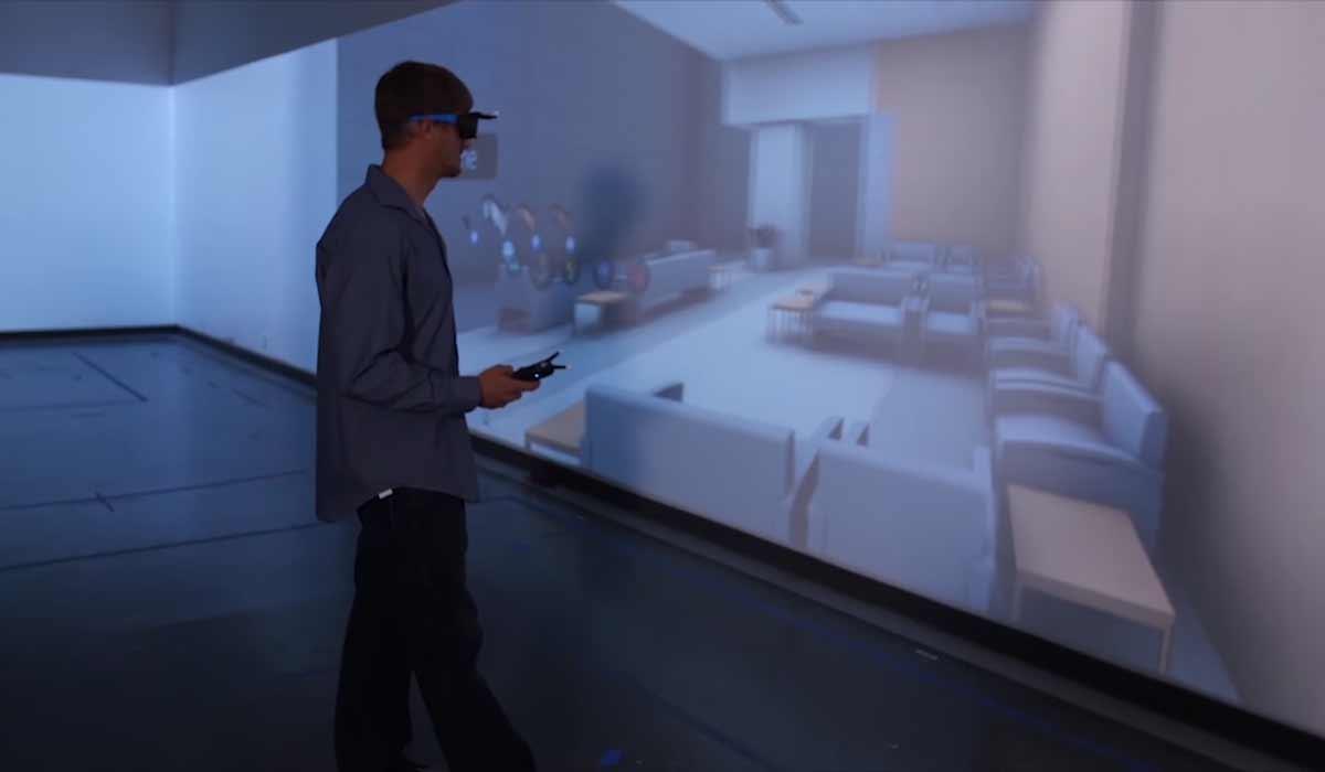Virtual Reality für Gruppen: Zehn Personen auf 2500qm