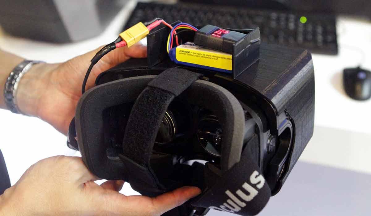 Intel glaubt daran, dass kabellose Übertragungswege bald flott genug sind, um den Ansprüchen von Virtual-Reality-Systemen gerecht zu werden.