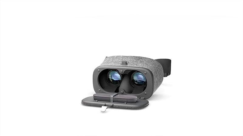 Der Controller kann im Fach befestigt werden, wenn die Brille nicht im Einsatz ist. Bild: Google
