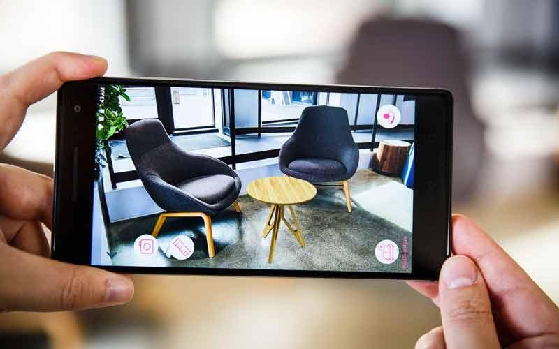Die App von Lowe's kann Möbelstücke glaubhaft in den Raum platzieren. Bild: Josh Miller/CNET