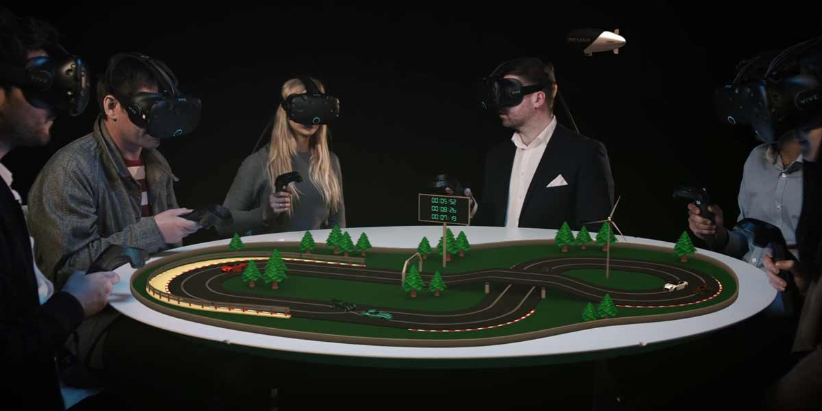 Virtual Reality: Jaguar veranstaltet Pressekonferenz mit VR-Brille