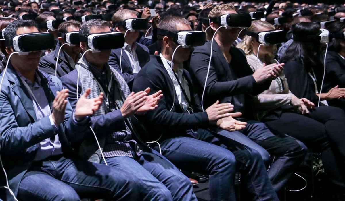 Warum Virtual Reality und die VR-Brille nicht asozial sind