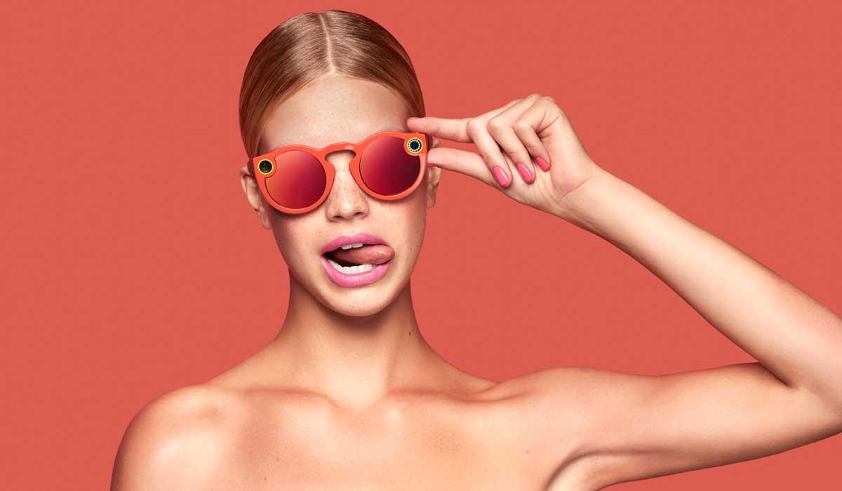 Laut einem Bericht soll noch in diesem Jahr die zweite Generation der Spectacles erscheinen. Für 2019 ist ein Highend-Modell geplant.