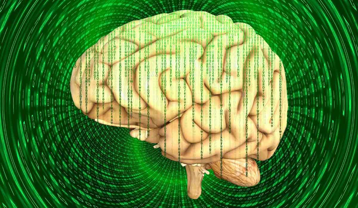 Der Politikwissenschaftler Xavier Flory will, dass Menschen festlegen, wie ein Mensch sein sollte - bevor VR und AR die Menschheit spalten.