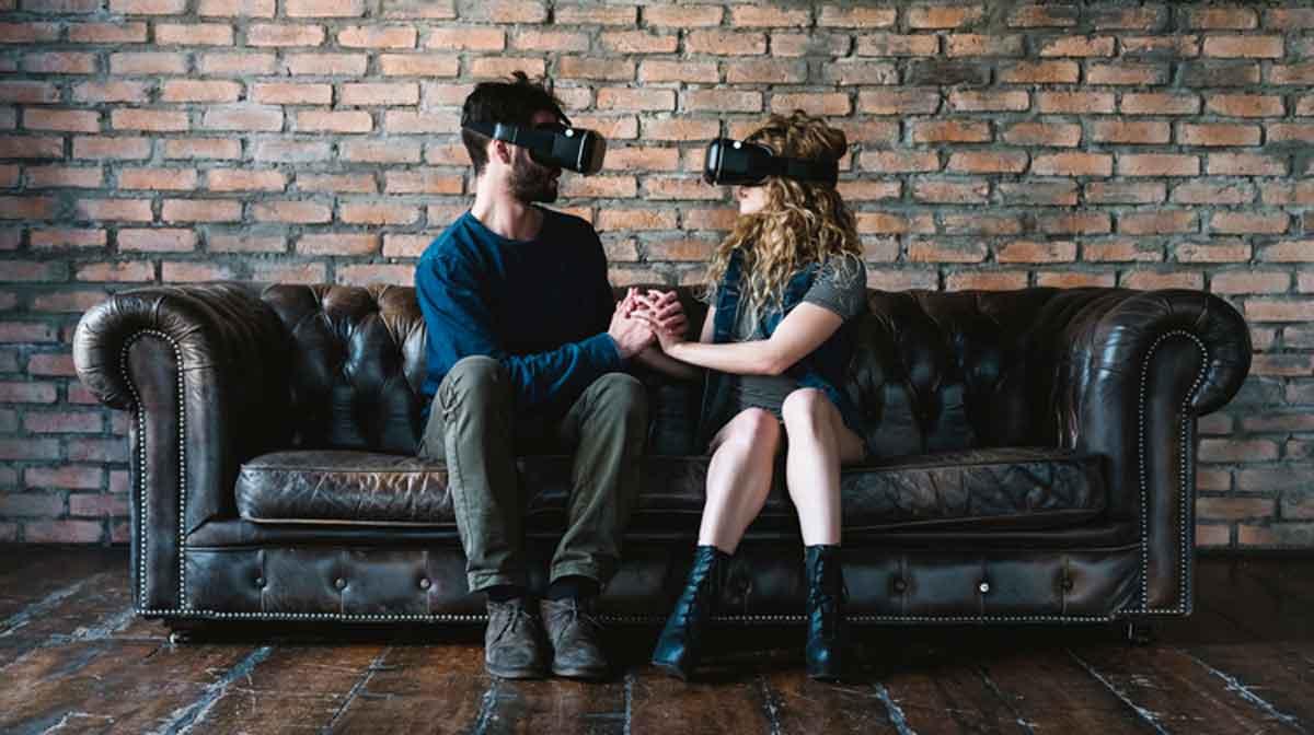 Facebook: Introvertierte Menschen reagieren stärker auf Virtual Reality