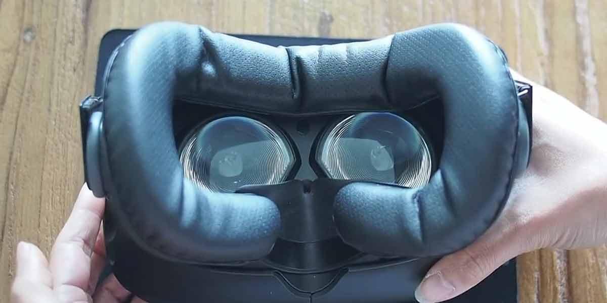 Wenn die ersten Pickel an der Stirn sprießen, ist es Zeit für eine saubere VR-Brille. Wir testen, wie gut die Cover von VRCover sind.