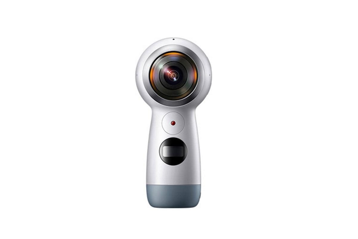 Samsungs Gear-360-Kamera hat jetzt einen Griff und ist deutlich handlicher. Bemerkenswert: Neuerdings unterstützt Samsung Apples iPhone.