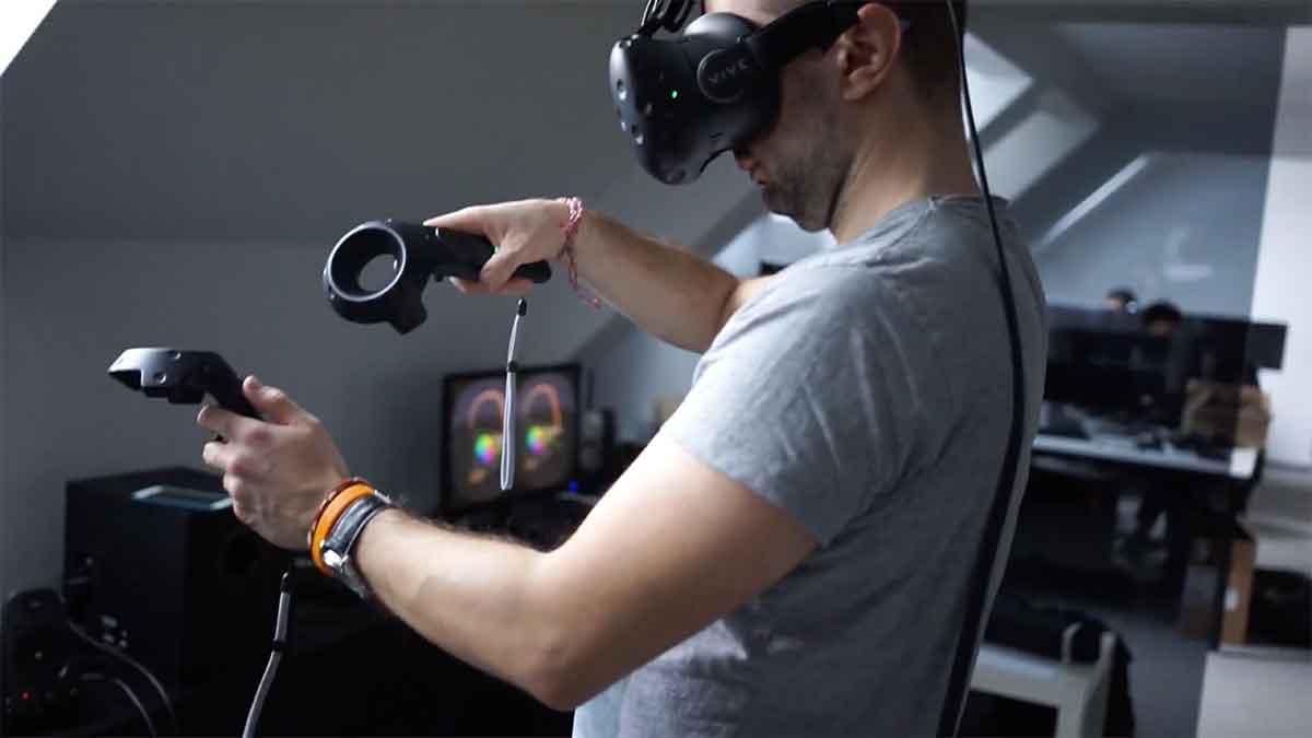 2017 drängen mindestens sechs Unternehmen auf den Markt, die Wireless-Lösungen für Highend-VR anbieten. Eines davon ist Quark VR.