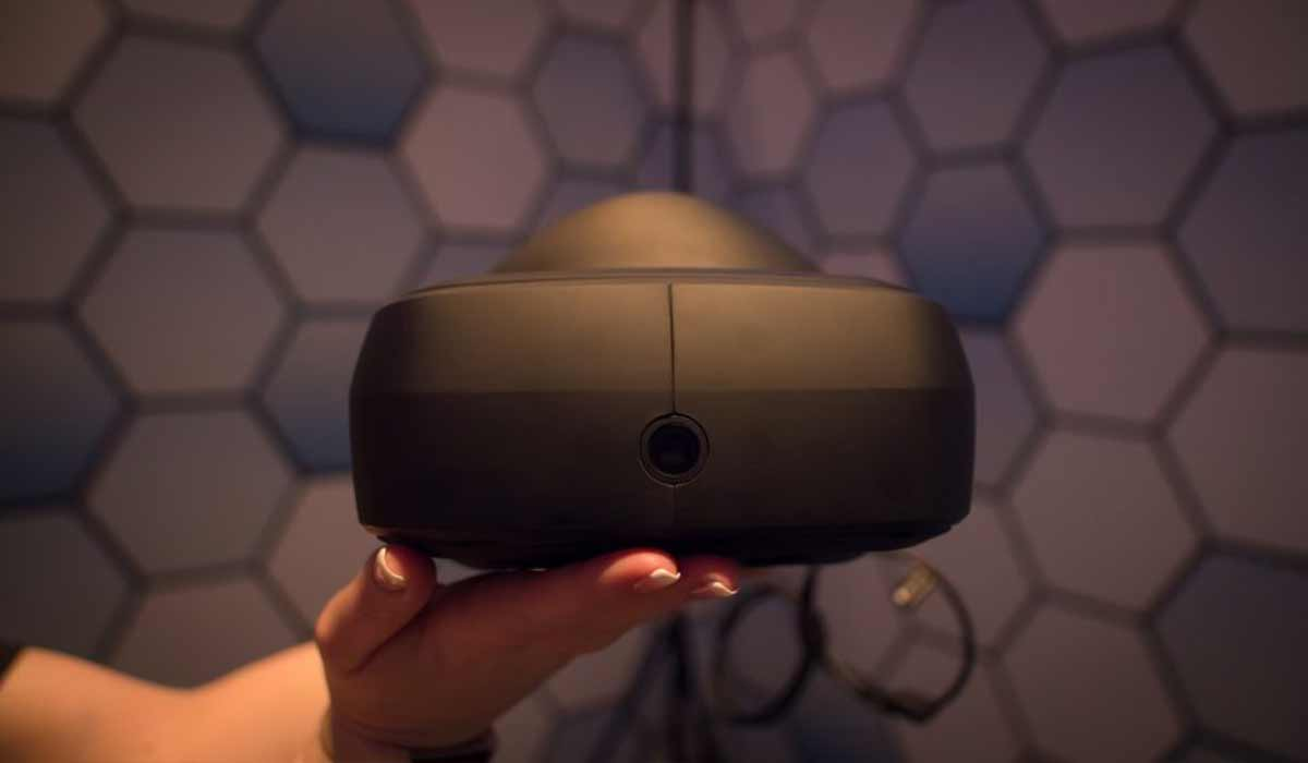 LGs Virtual-Reality-Brille für Steam wirkt beinahe wie eine Abwandlung von HTC Vive mit besserem Display. Final ist der Prototyp noch nicht.