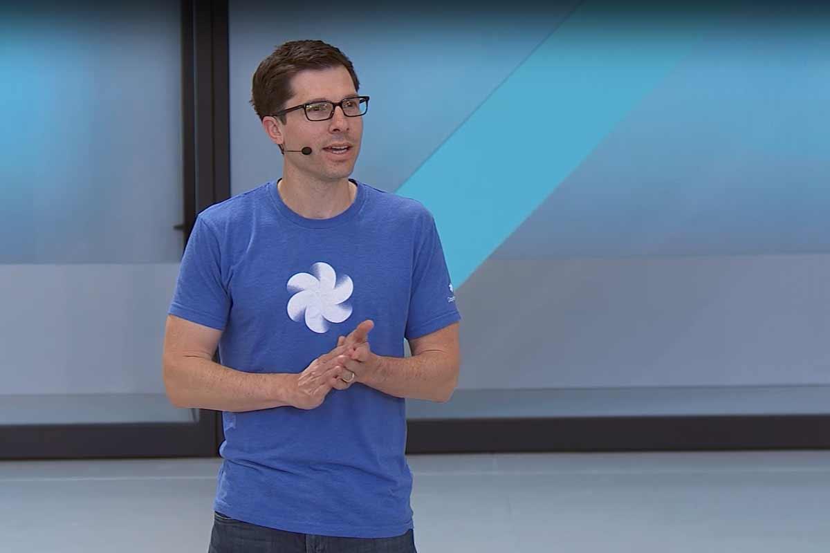 """Google arbeitet offenbar gemeinsam mit Sharp """"intensiv"""" an ultrahochauflösenden Displays für Virtual-Reality-Brillen."""
