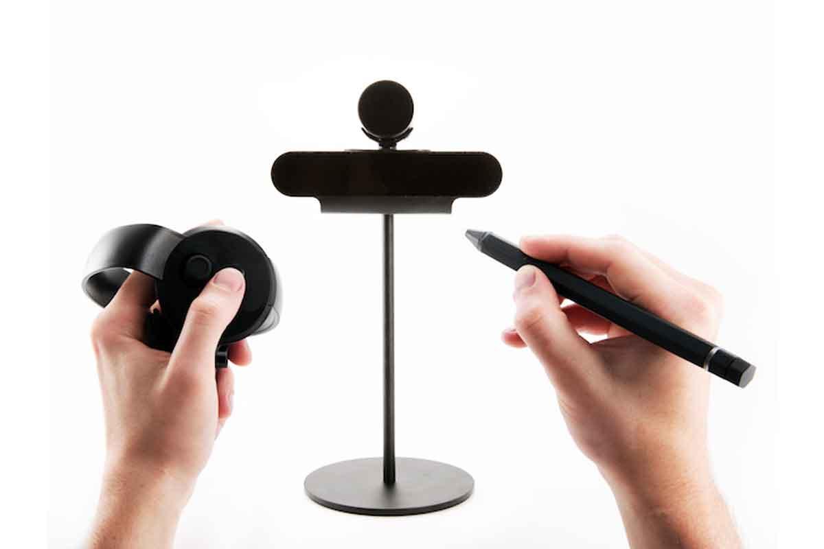 Auf der AWE präsentierte ein Startup einen Stift, mit dem sich haargenaue Arbeiten an virtuellen Objekten verrichten lassen.