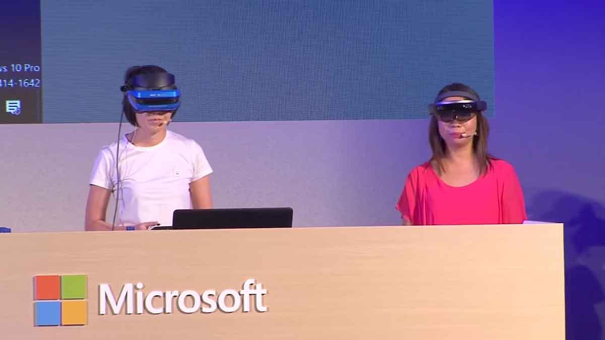 Eine Demo veranschaulicht Microsofts Mixed-Reality-Vision, in der sich Virtual und Augmented Reality näherkommen.