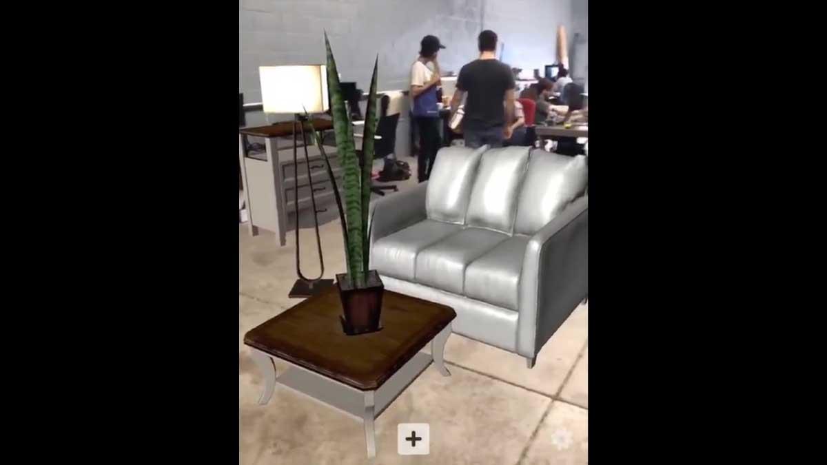 Ein US-Entwickler schuf eine App auf der Basis von Apples ARKit, mit der sich reale Räume mit Hilfe digitaler Möbel einrichten lassen.