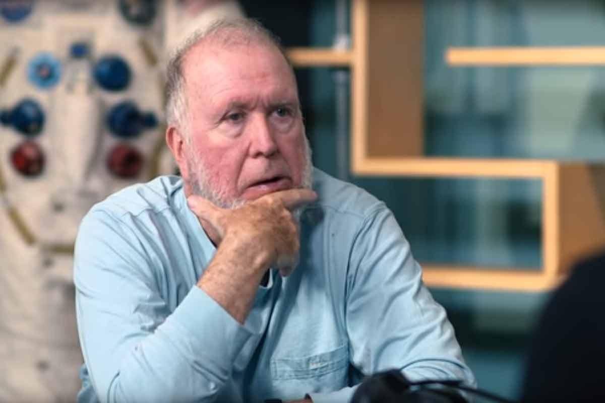 Der Wired-Gründer Kevin Kelly glaubt, dass Virtual Reality in einem digitalen Überwachungsstaat resultieren wird.