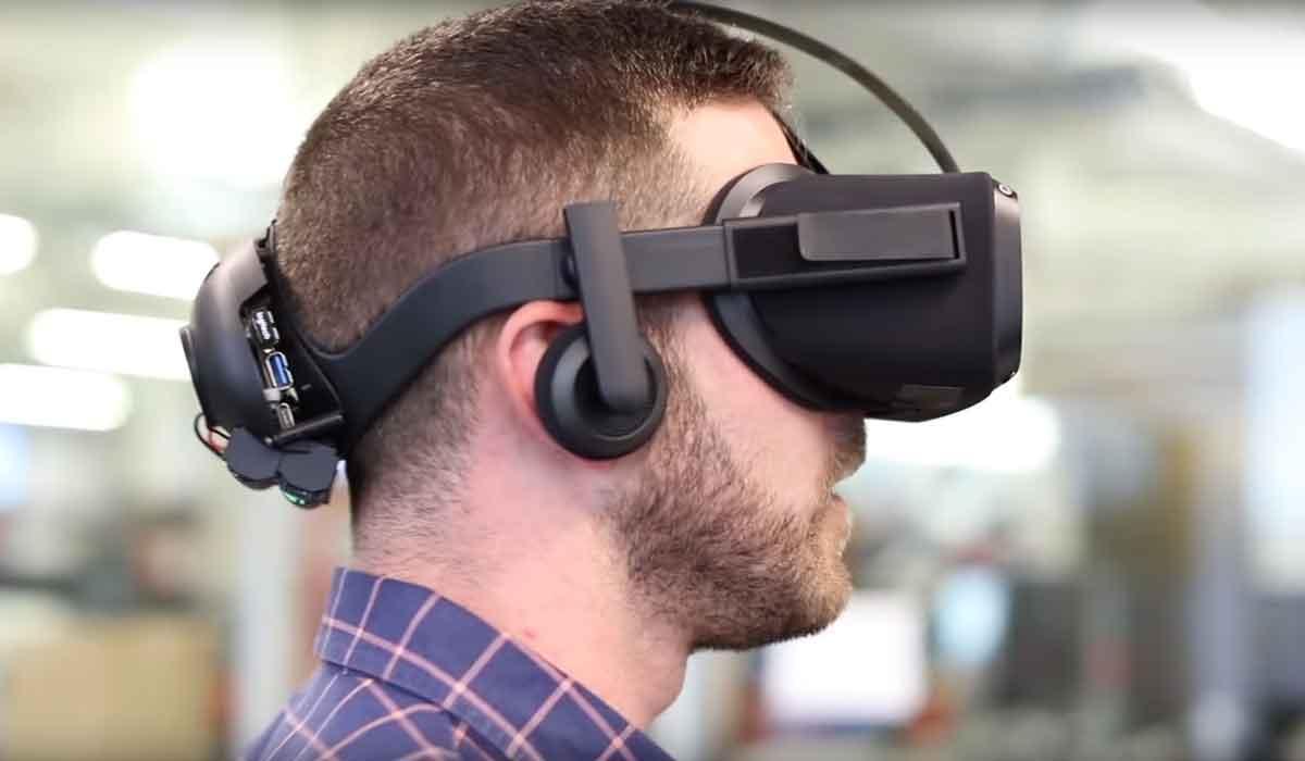 Mindestens zwei Jahre soll es dauern, bis ein autarkes System erscheint, das gleichauf mit der aktuellen Version von Oculus Rift ist.