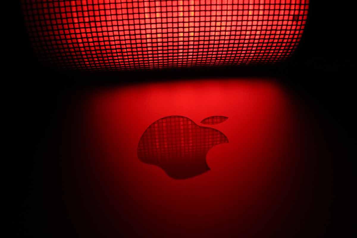 Um ihr volles Potenzial abzurufen, muss die erweiterte Realität das Smartphone-Display verlassen. Das wissen auch die Apple-Ingenieure.