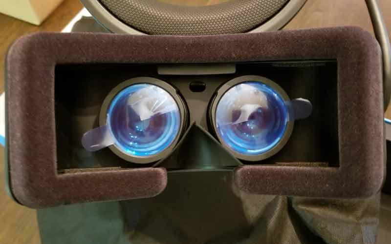 Blick auf die Linsen der Brille, die ein Sichtfeld von circa 95 Grad bieten. Bild: Jerrith / Reddit