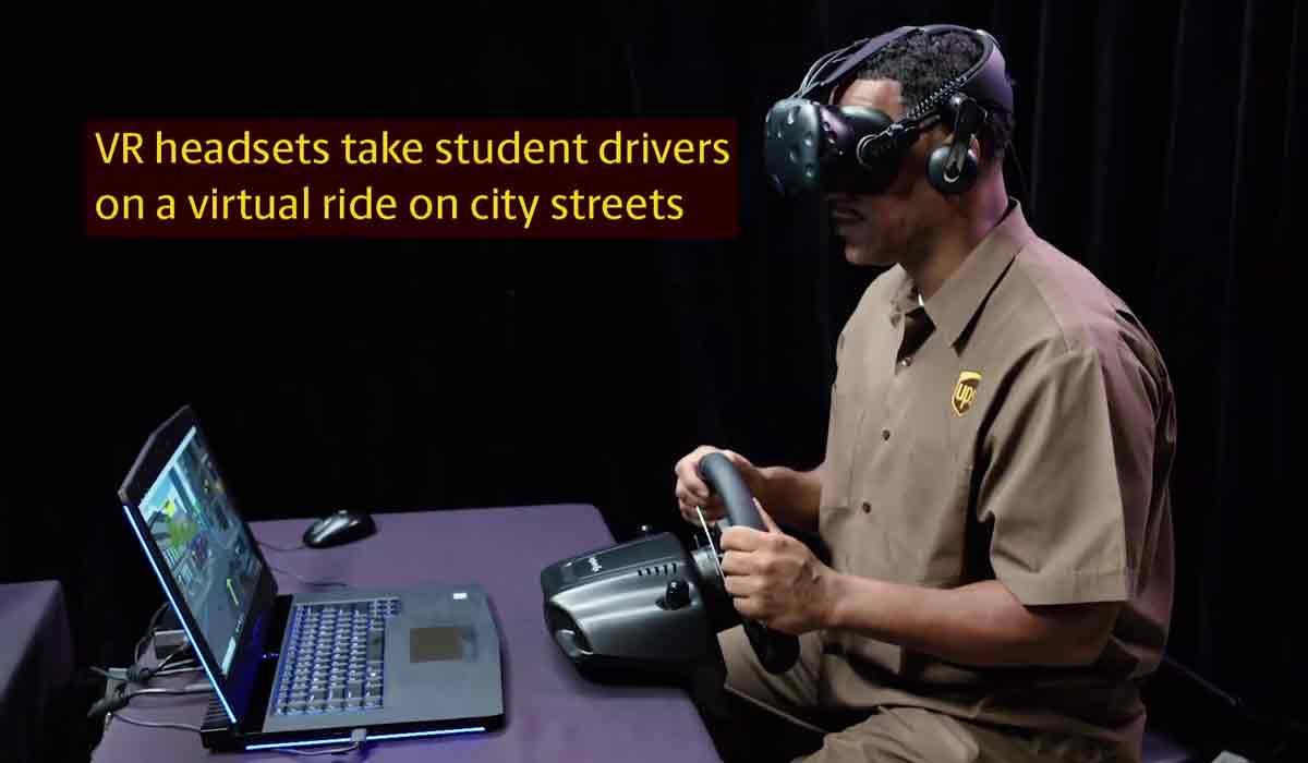 Das Logistikunternehmen UPS bereitet Fahrer mit einer realistischen Virtual-Reality-Simulationen auf stressigen Stadtverkehr vor.