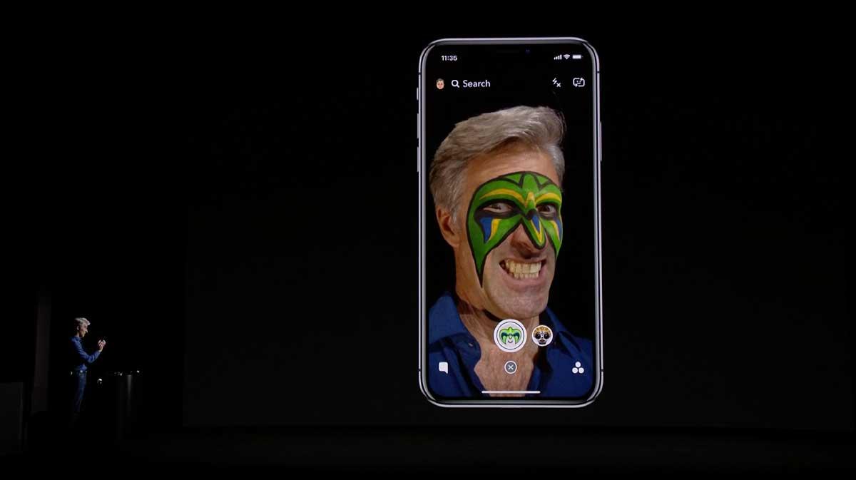 Das iPhone X besitzt ein 3D-Tiefenkamerasystem, das die Identifikation per Gesichtserkennung und einzigartige AR-Anwendungen ermöglicht.