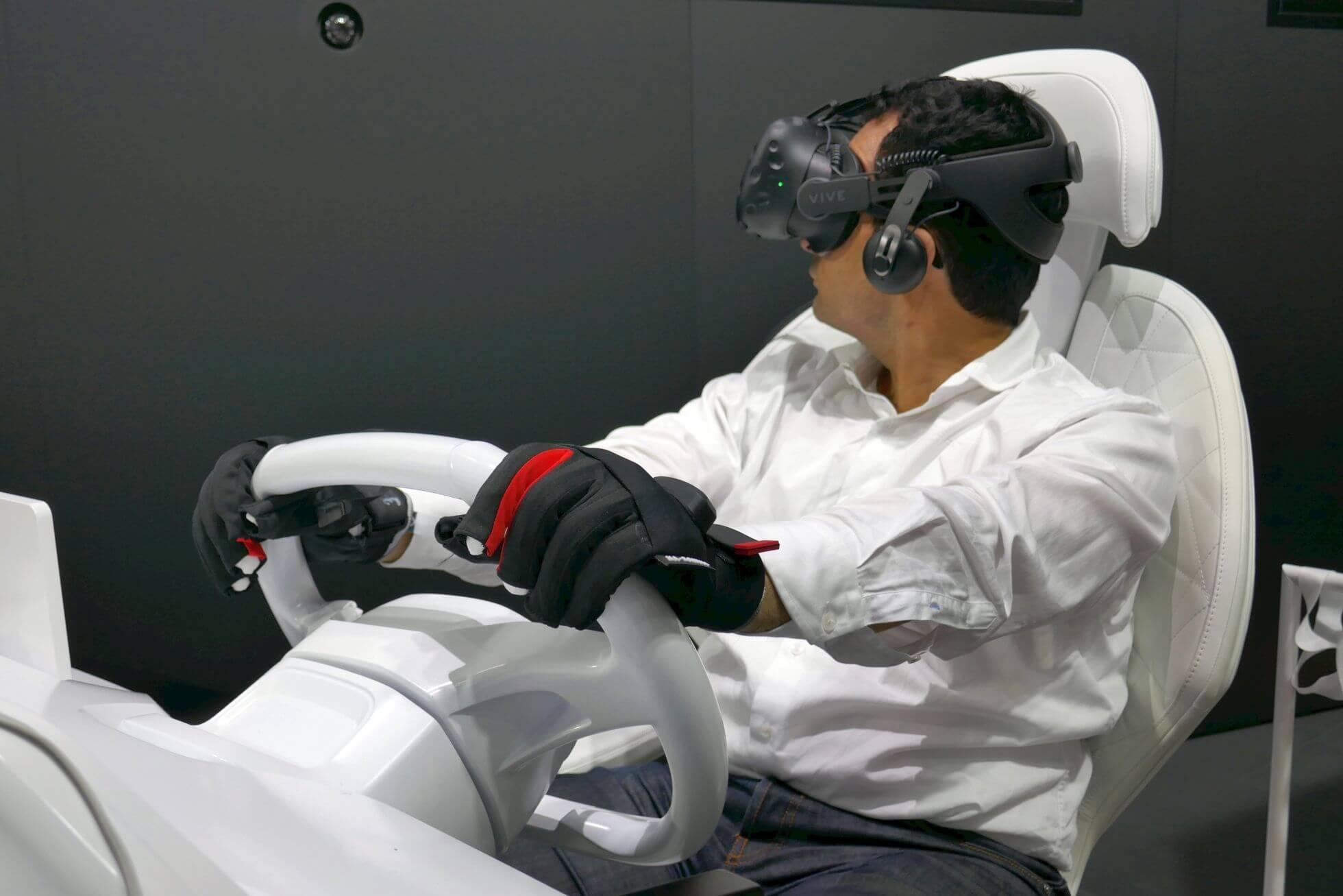 Dank Nutzung der Manus VR-Handschuhe sind die eigenen Hände relativ exakt in VR sicht- und einsetzbar.
