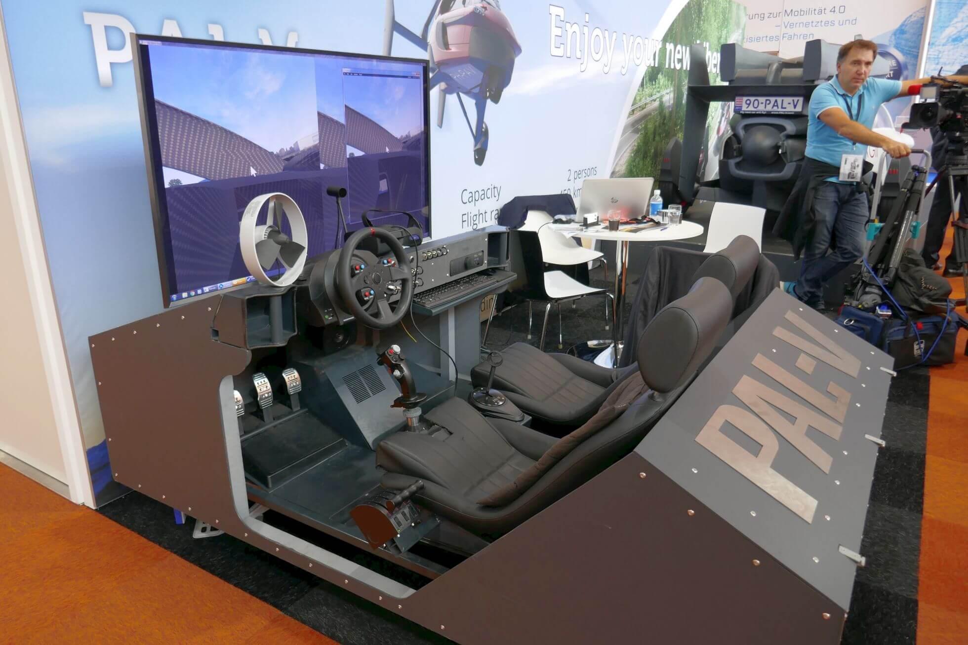Ausnahmsweise kein Auto- sondern Flugsimulator bietet das Start-up PAL-V.