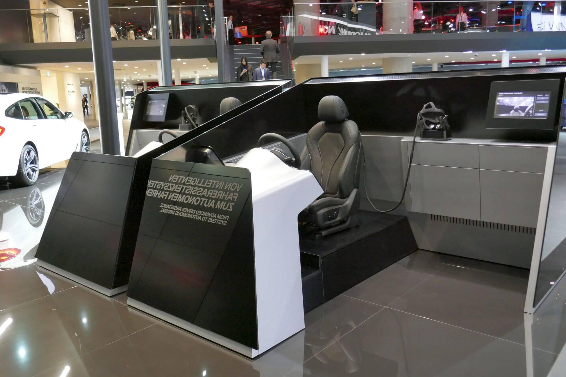 Ein Oculus-Rift-Fahrsimulator mit Original-BMW-Interieur.
