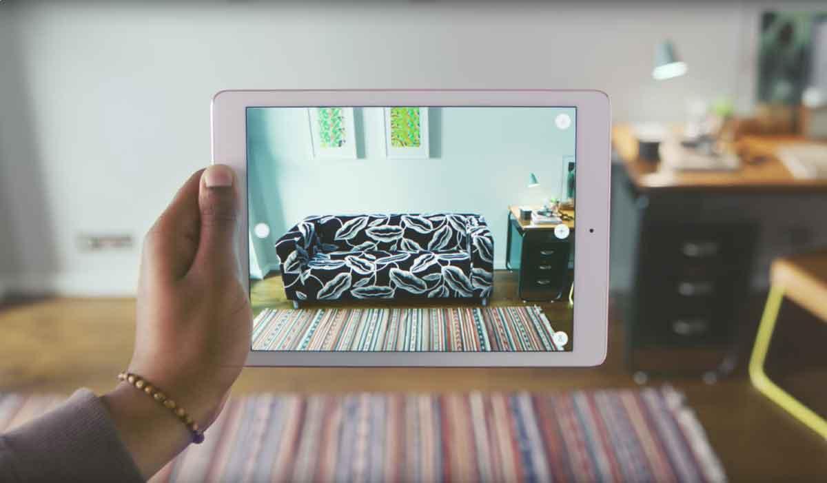 """Das schwedische Möbelhaus kündigt für Ende September die AR-App """"Ikea Place"""" an. Ein Trailer gibt einen Vorgeschmack."""