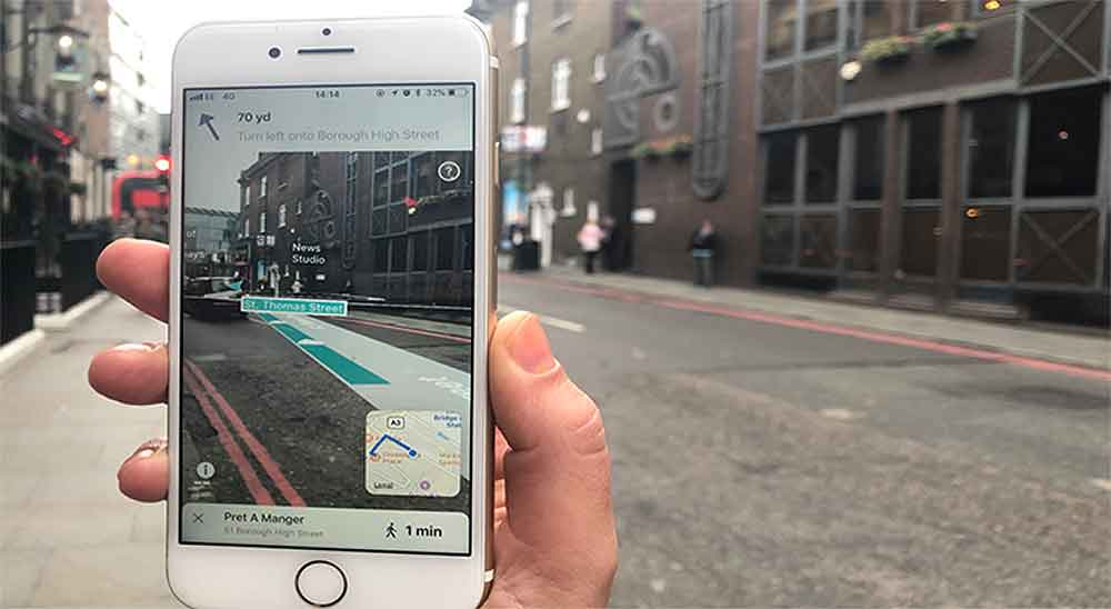 """""""ARCity"""" bietet eine neue Positionserkennung, die laut Blippar genauer als GPS arbeitet und digitale Elemente passgenau über die Welt legt."""