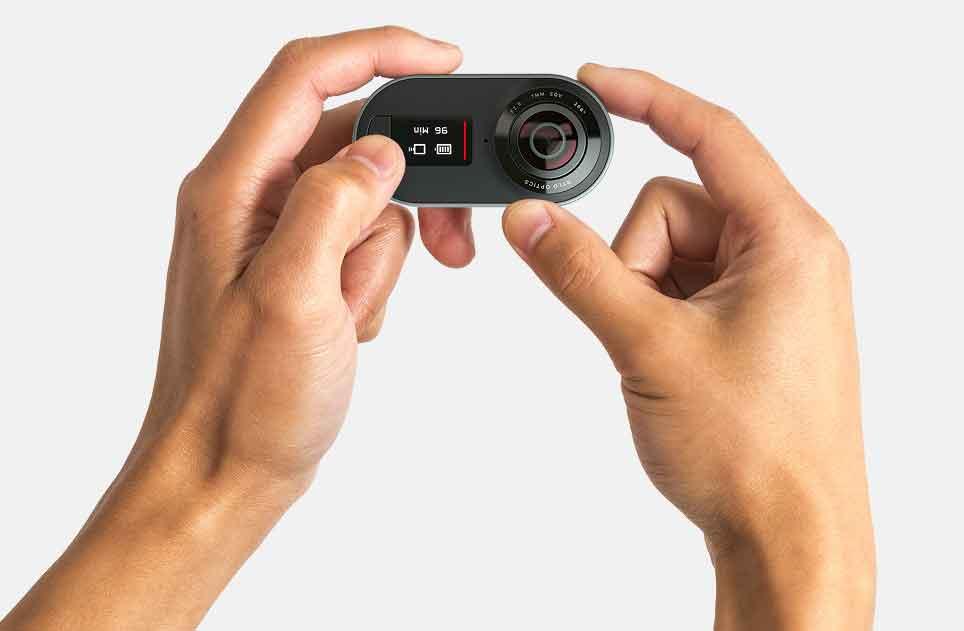 Rylo ist eine 360-Grad-Kamera, die für das nachträgliche Ausschneiden gerahmter Videos aus sphärischem Filmmaterial optimiert ist.