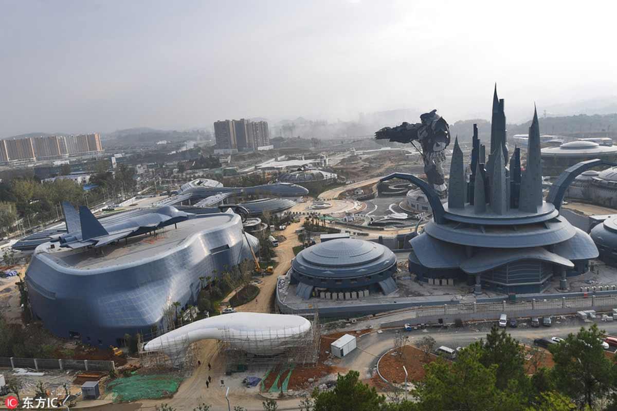 VR-Enthusiasten sollten einen Flug nach China buchen, denn da eröffnet kommenden Monat ein großer Themenpark für VR-Unterhaltung.